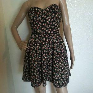 Forever 21 Black Floral Strapless Dress